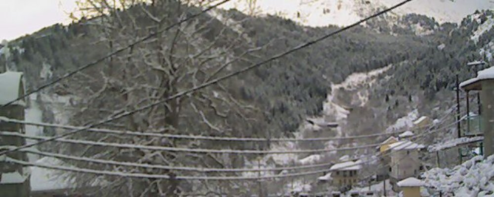 30 εκετοστά το χιόνι στο χωριό.