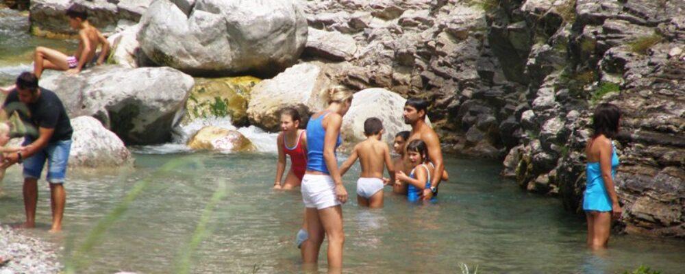 Γλέντι στο ποτάμι (16-8-2010)