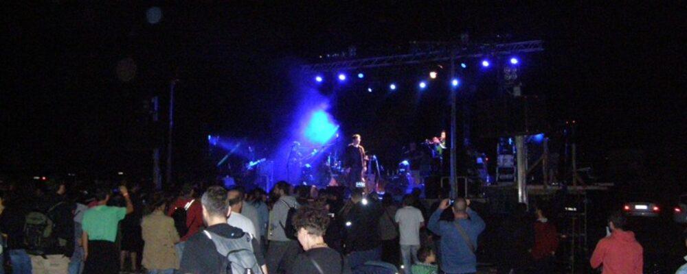 """Φωτογραφίες από τη συναυλία Θανάση Παπακωνσταντίνου στο """"Λιβάδι"""""""
